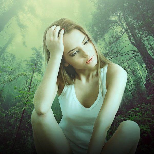 down woman-3599869_960x640